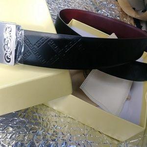 Burberry Accessories - Mens Burberry Black belt. Never worn.